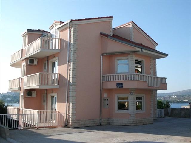 villa Marija behind view and parking